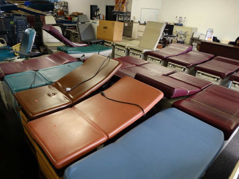 1 Exam Tables Examiniation Room Furniture For Sale Used