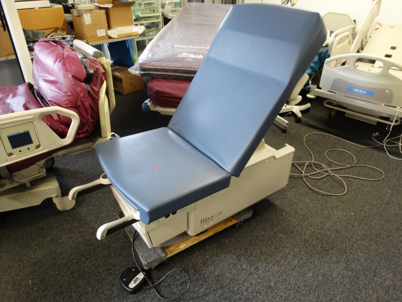 1 Midmark Ritter 222 Power Exam Table Used Hospital