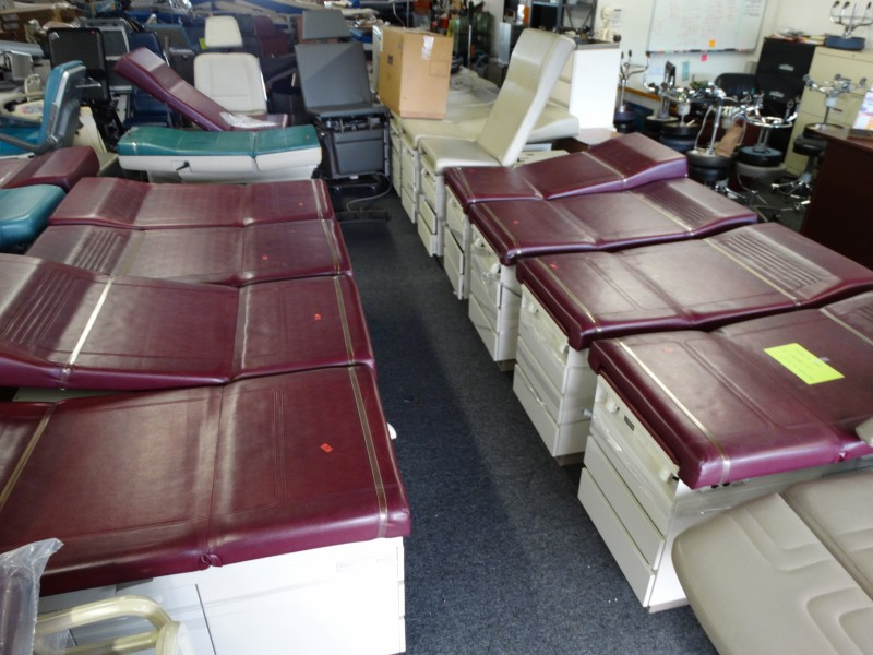 1 Ritter And Midmark Exam Tables For Sale Used Hospital